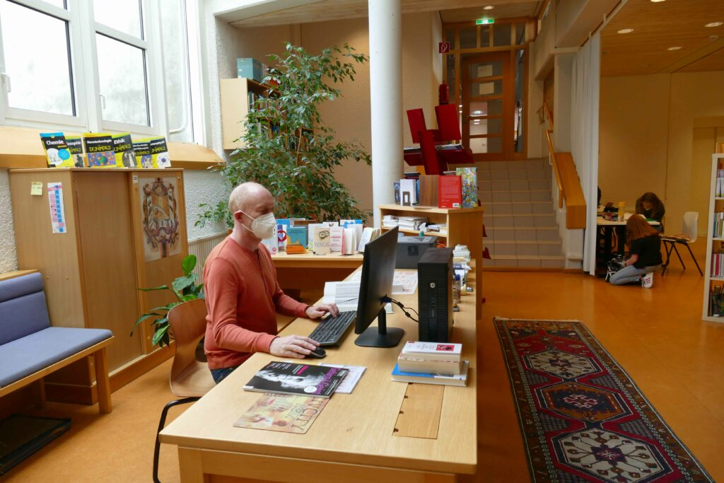 In der Bibliothek lässt es sich auch gut in Ruhe arbeiten.